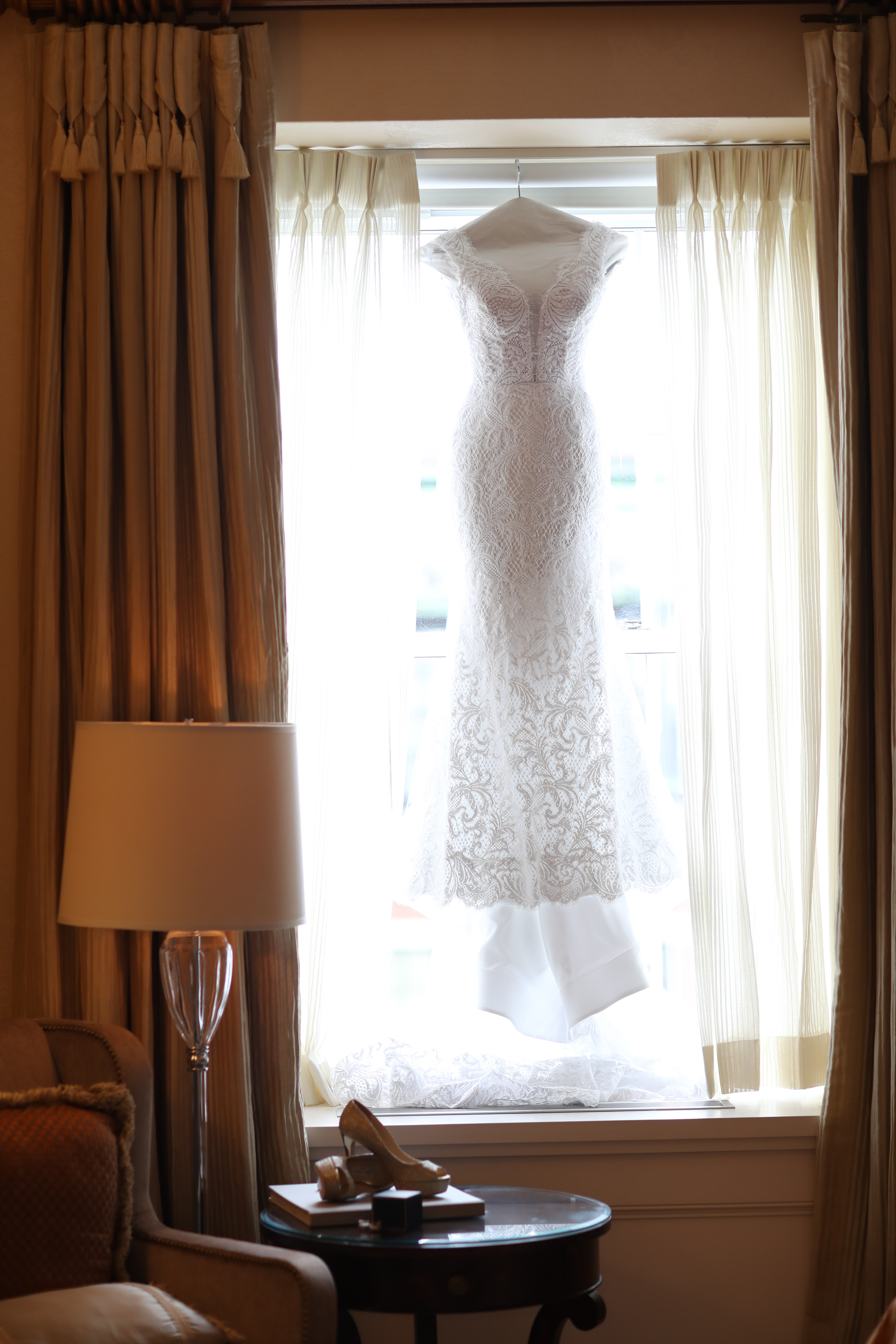 How to Find the Perfect Wedding Gown