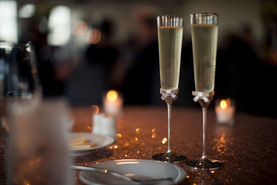 champagne flutes with champagne at wedding