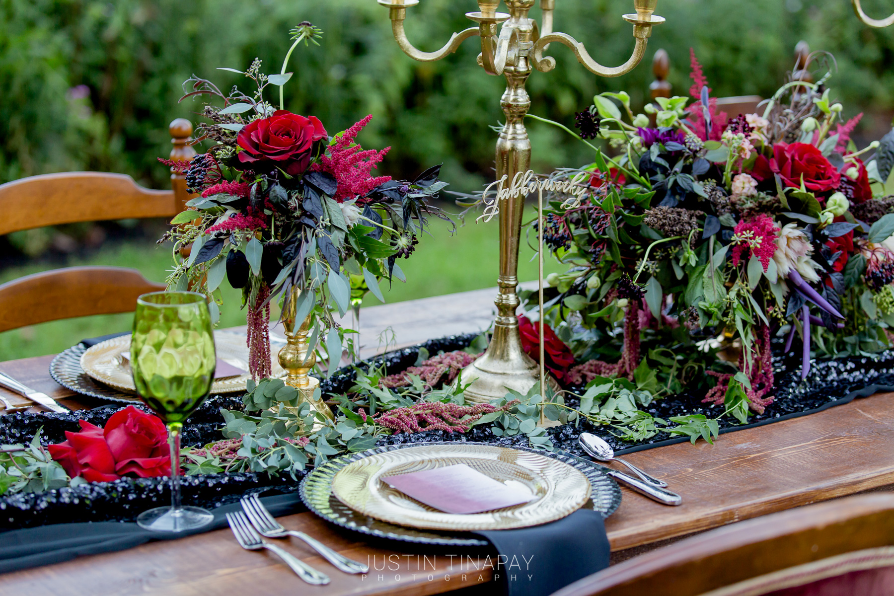 black red and green long wedding table