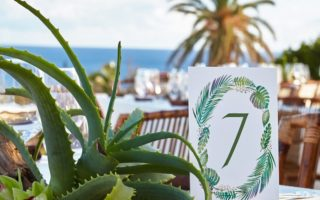 bermuda table wedding decor